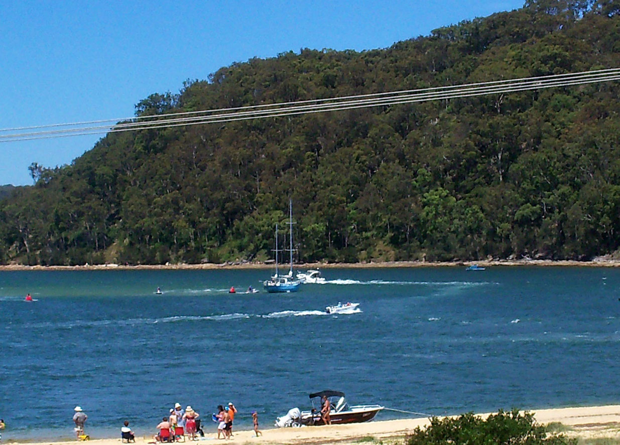 A yacht was firmly stuck on a sandbank near Half Tide Rocks. The 45' yacht ...
